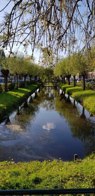 bate e volta em Volendam