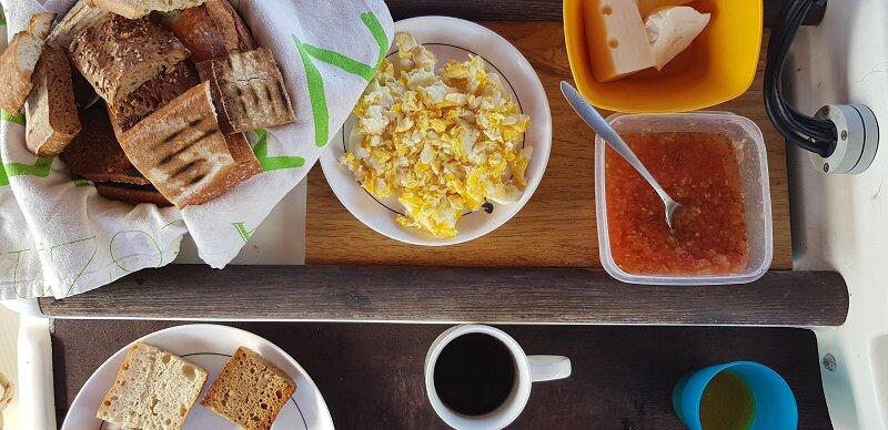 velejar na polinesia francesa cafe da manha