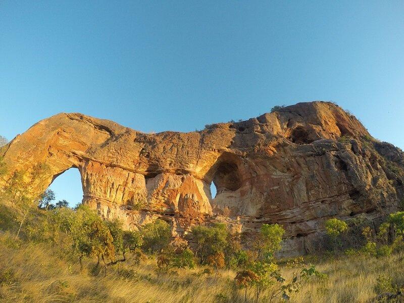 serras gerais, tocantins rochas do arco do sol