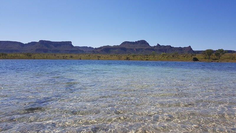 serras gerais, tocantins lagoa da serra água cristalina