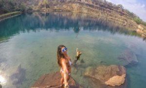 Check out de mergulho no incrível Lago Azul em Mara Rosa, Goiás.