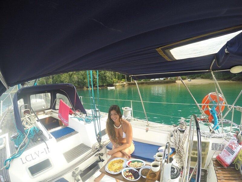 café da manhã em veleiro em angra