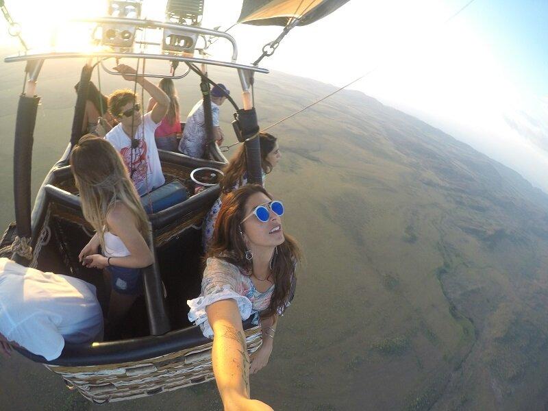 voo de balão na chapada dos veadeiros voando