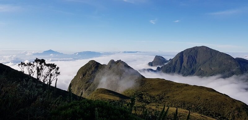 trekking do pico paraná paisagem pouca nuvem