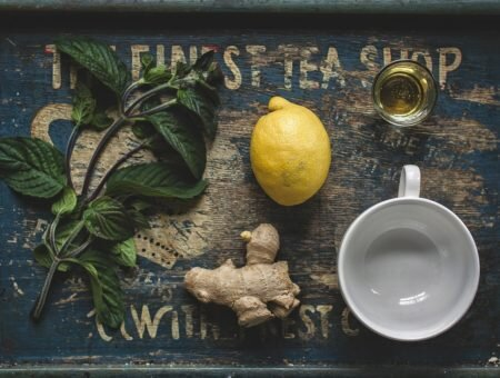 Chás para aumentar a imunidade: 10 receitas para o dia a dia e para suas viagens