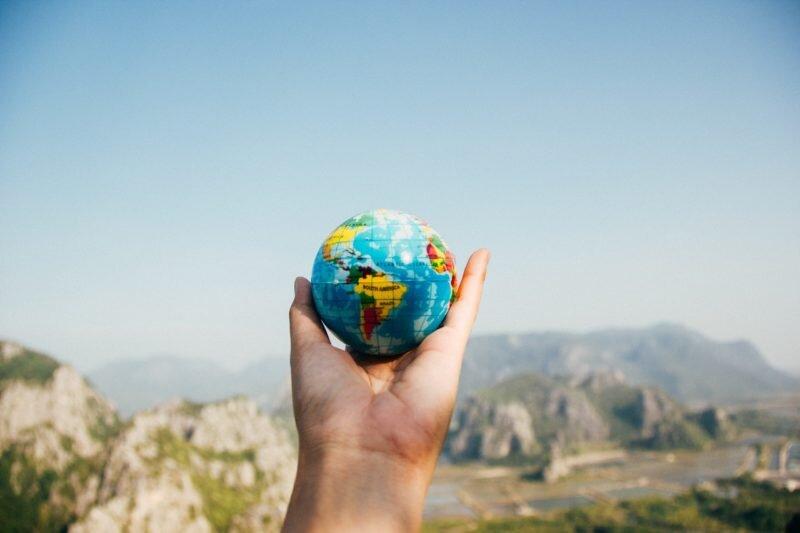 dicas para viajar sozinha mundo nas mãos