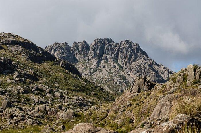 pico das agulhas negras trekking