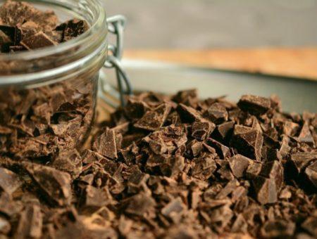 Chocolate sem lactose: dicas práticas para se deliciar em qualquer lugar do mundo
