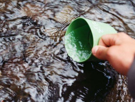 Como purificar a água em trilhas, trekkings e acampamentos